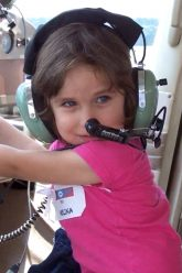 kids fly planes